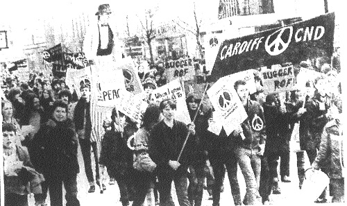 5-3-1983 On the march... (Sat) p4 - Copy.jpg